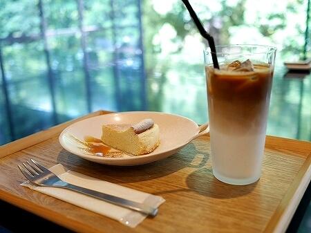コーネルコーヒー  CONNEL COFFEE 青山一丁目 おすすめカフェ カフェラテ チーズケーキ
