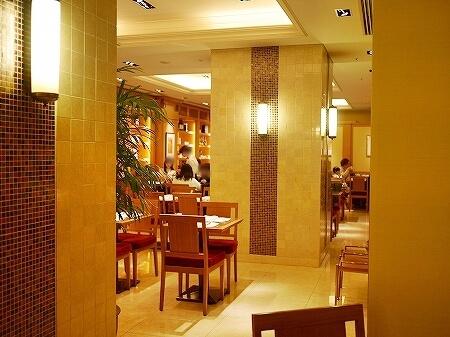 ザ・ペニンシュラ ブティック&カフェ 平日限定パスタランチ 銀座 東京 店内