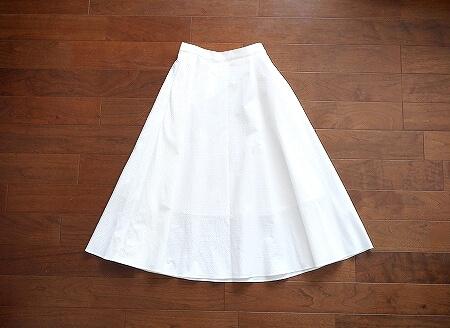 ユニクロ シアサッカーサーキュラースカート 白 ホワイト 着画 ブログ 口コミ レビュー