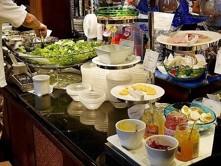 宮古島旅行記 宮古島東急ホテル&リゾーツ シャングリ・ラ 朝食ビュッフェ バイキング サラダ ジャム
