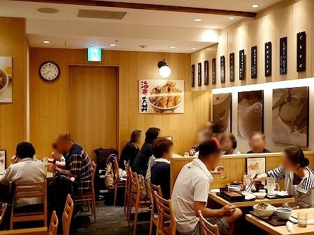 羽田空港第2ターミナル 国内線 おすすめレストラン グルメ てんぷら・そば 門左衛門 店内