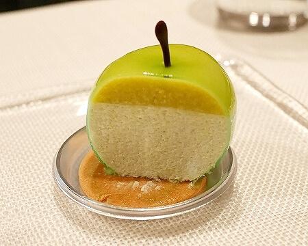 ピエール・ガニェール パン・エ・ガトー 青りんごのムース ケーキ ANAインターコンチネンタルホテル東京