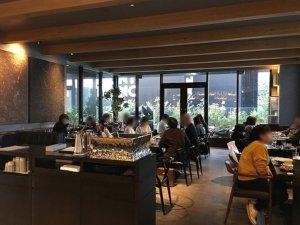 銀座穴場カフェ opus オーパス ザ ロイヤルパークキャンバス銀座8 店内 席
