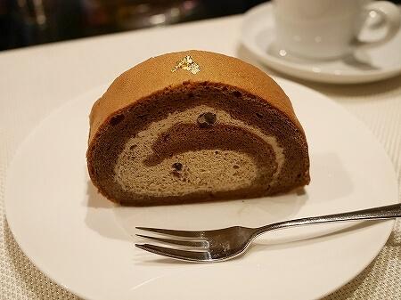 銀座 おすすめケーキ屋さん パティスリーカメリア ケーキ マカロン ほうじ茶ロールケーキ イケメンパティシエ