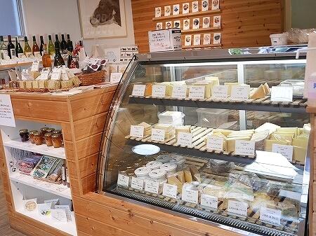 北海道産ナチュラルチーズ専門店 チーズのこえ 清澄白河 ブログ 口コミ レビュー かしわプレミアム 槲プレミアム おすすめ 店内