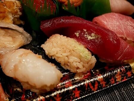 テイクアウト つきぢ神楽寿司 豊洲場外店 口コミ ブログ レビュー 店内 豊洲市場 旬握り