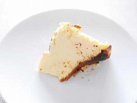 有楽町「6th by ORIENTAL HOTEL」のバスクチーズケーキをテイクアウト! シクスバイオリエンタルホテル  ブログ レビュー 口コミ 予約 バスチー