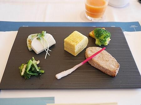 伊豆ホテル リゾート&スパ宿泊記 朝食 レストラン 洋食 和食 ビュッフェ 伊豆熱川旅行記 魚
