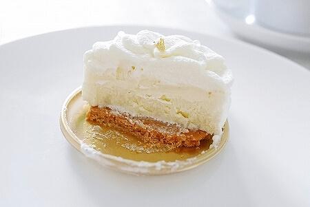 和光 銀座 フロマージュクリュ ケーキ チーズケーキ ブログ 口コミ 感想 レビュー 断面