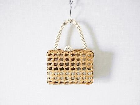 ARANAZ mini bag アラナス ミニバッグ ブログ 口コミ ウッドビーズ ホワイト アラナズ Luna Woven Clutch Bag